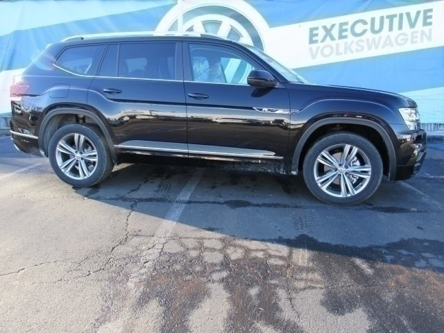 New 2019 Volkswagen Atlas SE W/TECH R-LINE 4MOTION